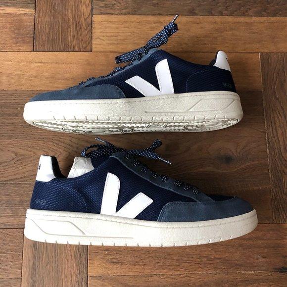 Negociar Trueno Dental  Veja Shoes | Navy And White Veja Mens Sneakers | Poshmark